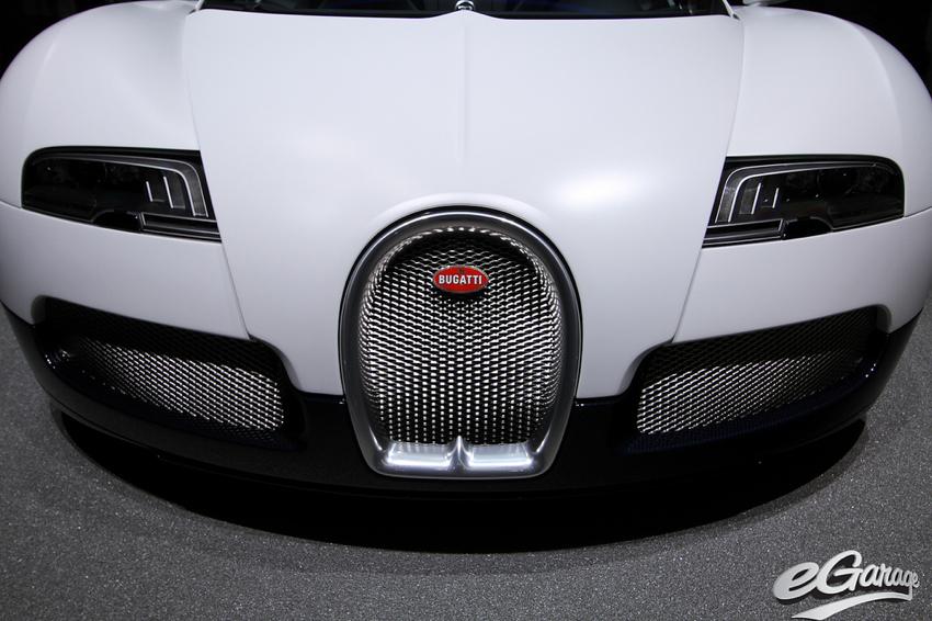 matte white bugatti Geneva Motor Show