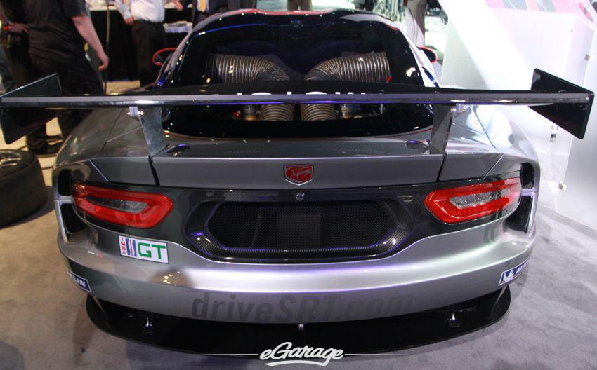 Drive SRT Viper racecar3 2013 SRT Viper