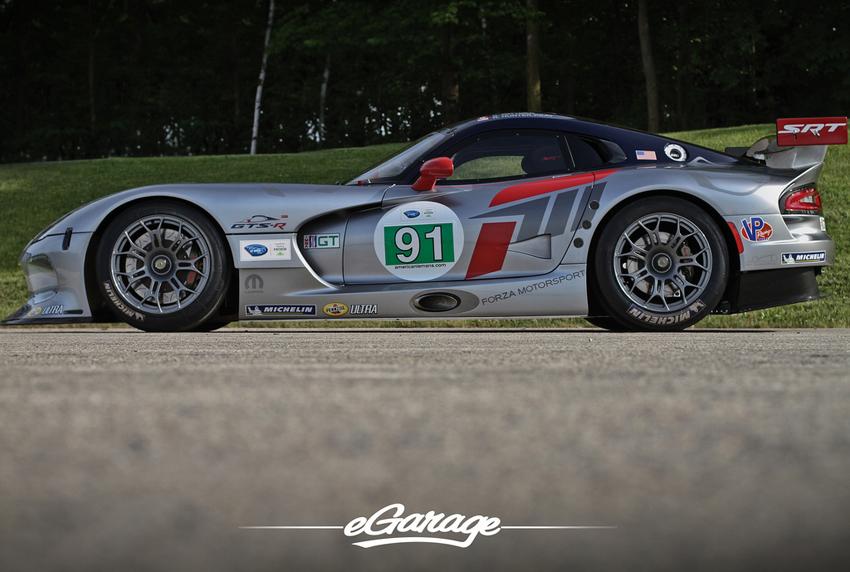 SRT Viper GTS R