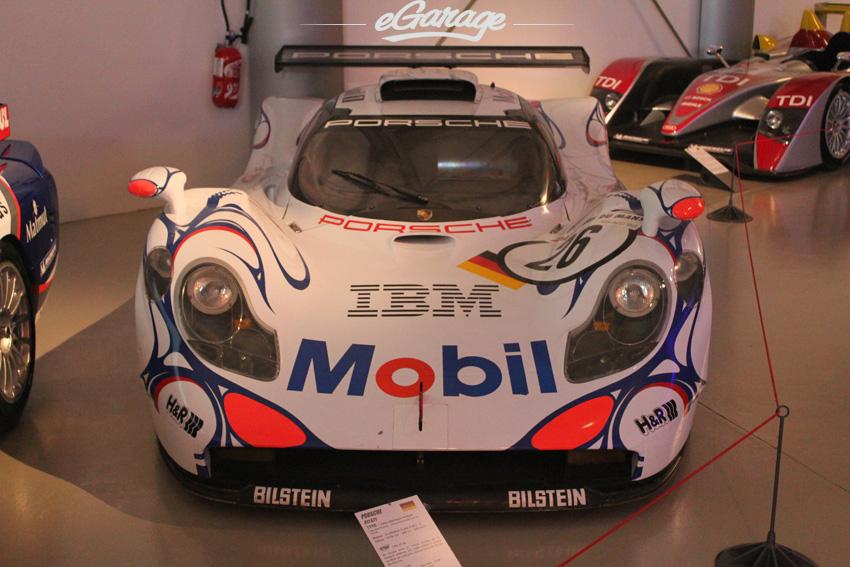 98 P 911GT1 copy Le Mans Museum