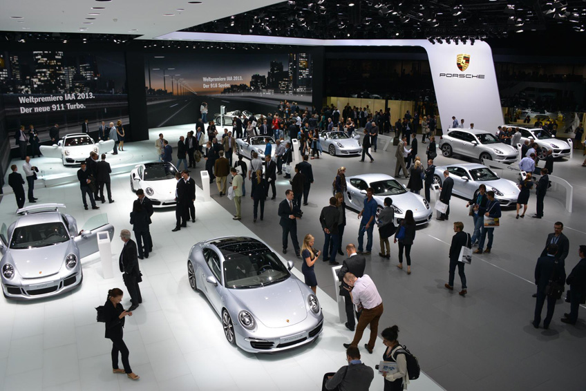 742725 DLS 4116 2013 IAA Frankfurt Motor Show