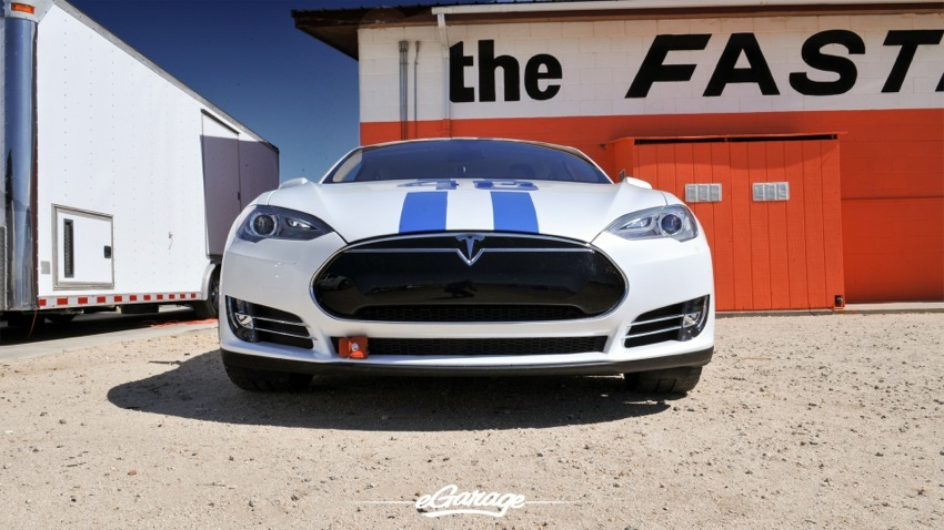 Teslarati Model S Sign at Willow Springs